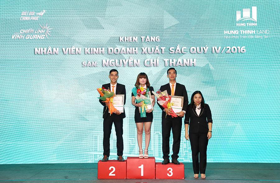 hung-thinh-land-tong-ket-iv-2016-khen-thuong